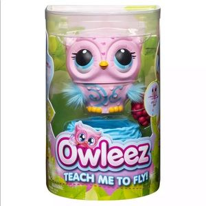 Owlets Pink Flying Pet New in Box